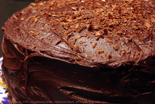 Fudgy_chocolate_cake