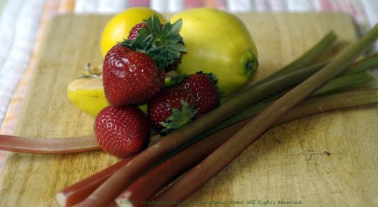 Quince_rhubarb_strawbs
