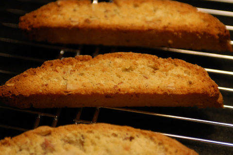 Cooling_biscotti