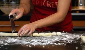 Cutting_gnocchi